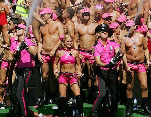 Парад геев и лезбиянок