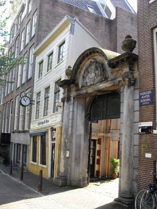 Старые арочные ворота в Амстердаме  (2)