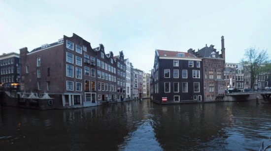 Канал Форбургвал в Амстердаме
