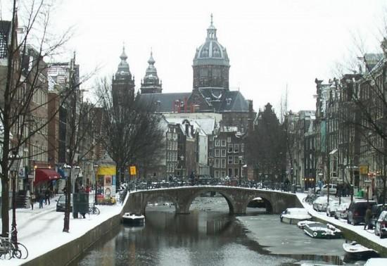 Канал Форбургвал в Амстердаме3
